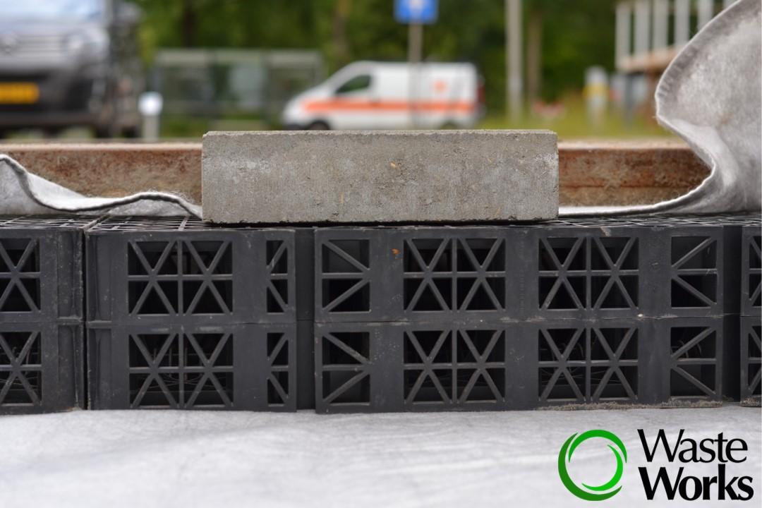 Waste Works Buffertrottoir
