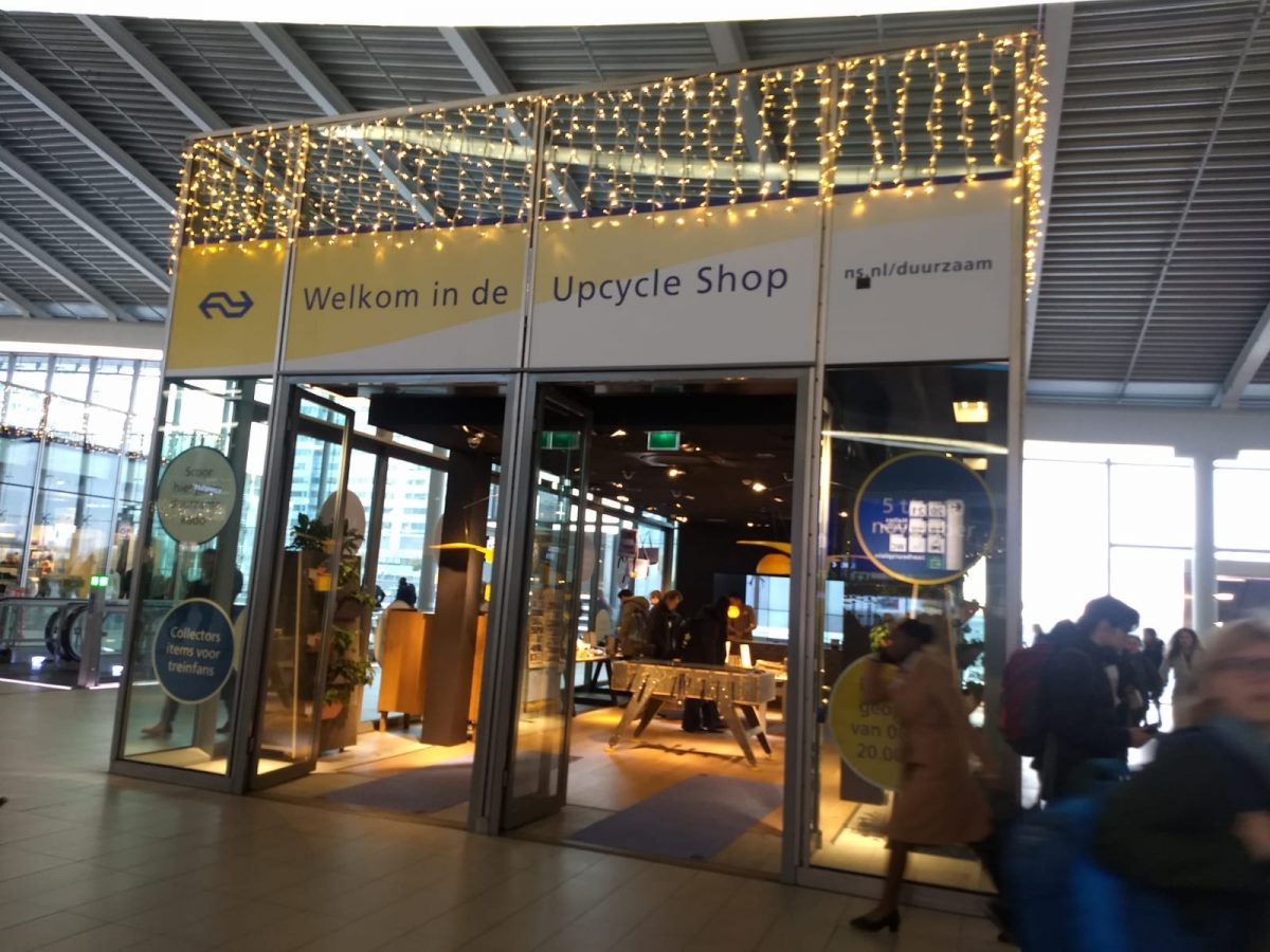 Upcycleshop in op het NS station in Utrecht