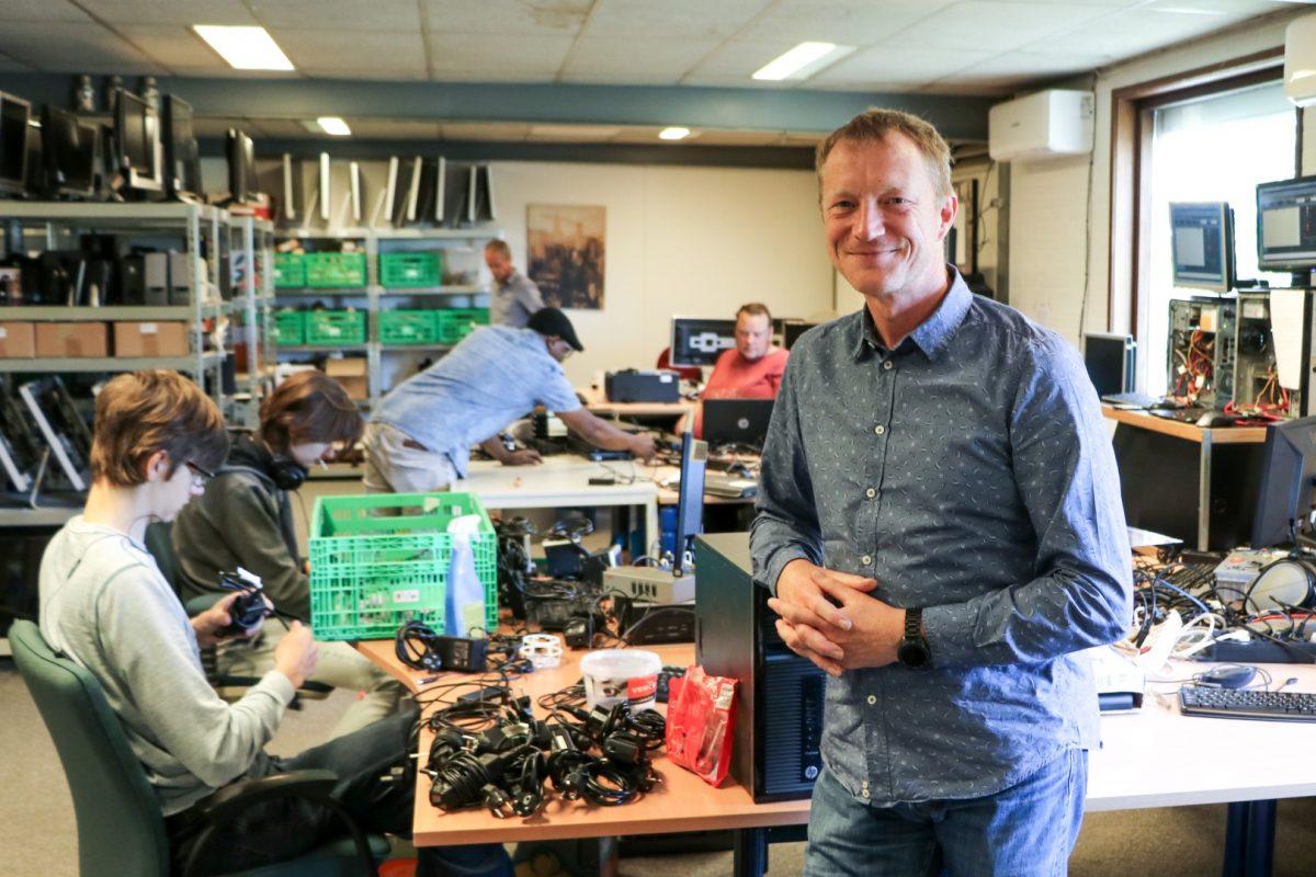 Bedrijfsleider ICT Kringloop Arno Kromdijk: 'We zijn met z'n allen met iets moois bezig.'
