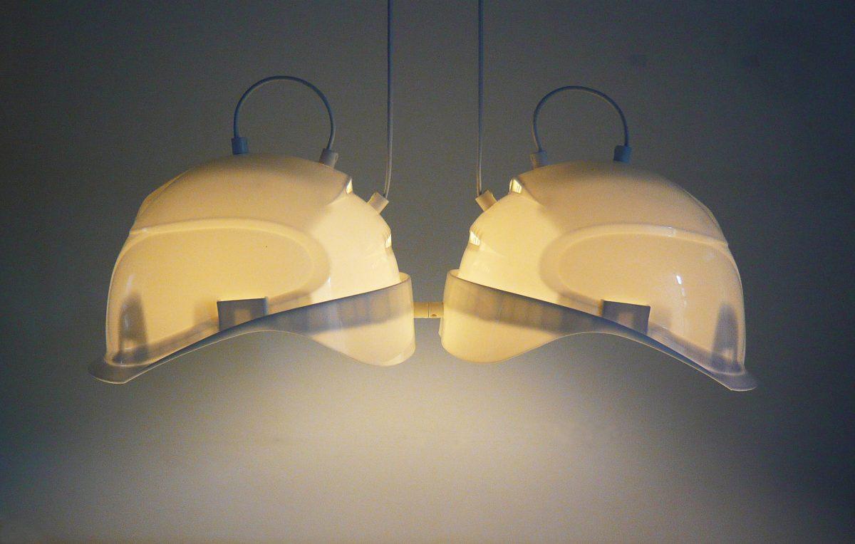 Kopstukken - lampen van oude bouwhelmen
